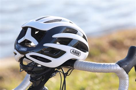 TEST CASQUE ROUTE ABUS AIRBREAKER - NORDSPORTS MAG