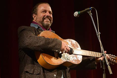 The Mavericks' Raul Malo Speaks Out About Immigration Policy