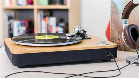 Best Turntables for 2018: Get Your Vinyl on with These
