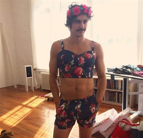 James Franco posts a selfie in women's clothes | Daily Star